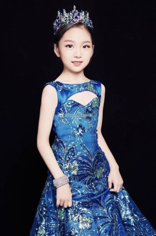 范冰冰9岁堂妹范朵朵近照曝光,网友:这气场就是另一个范爷啊!